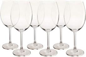 Conjunto de taças para vinho.