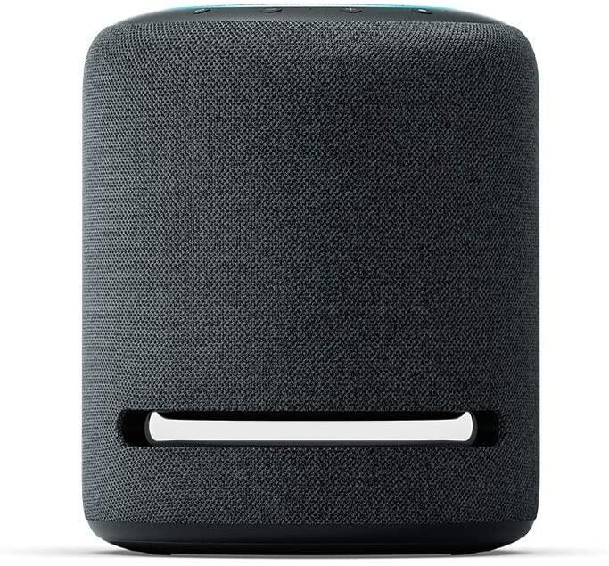 Echo Studio 4ª geração na cor preta.