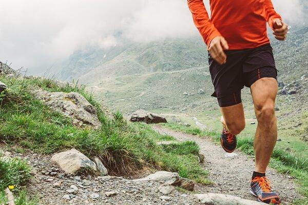 Tenis-para-correr-em-trilha
