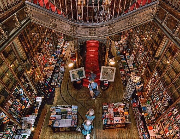 Grande Biblioteca Portuguesa