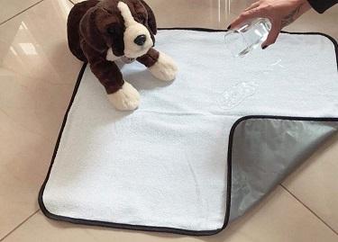 Tapete higiênico lavável branco