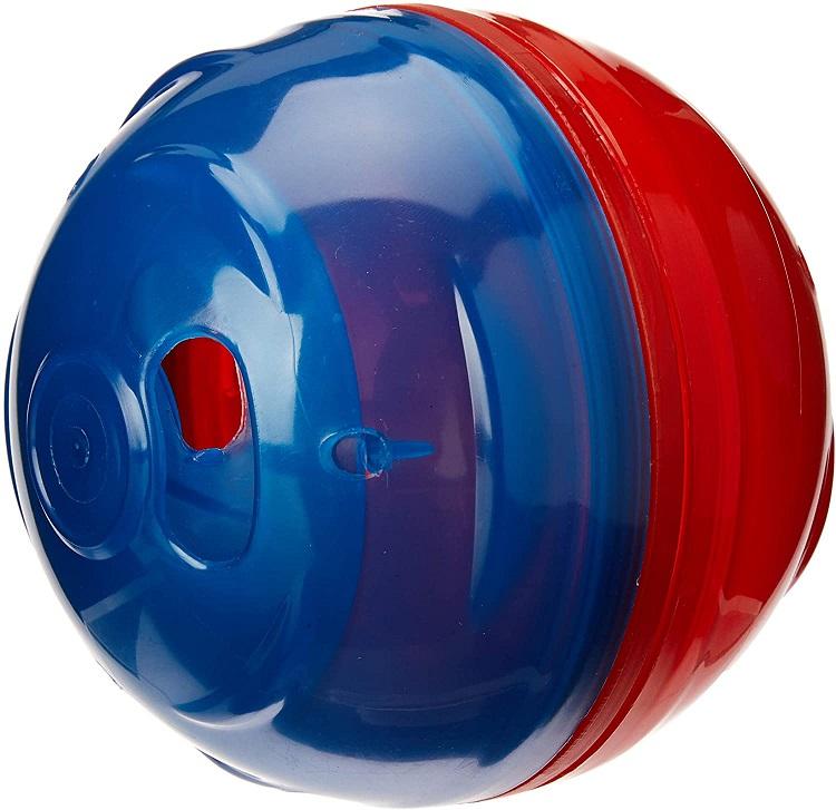 Brinquedo para cachorros em formato circular metade azul e a outra vermelho.