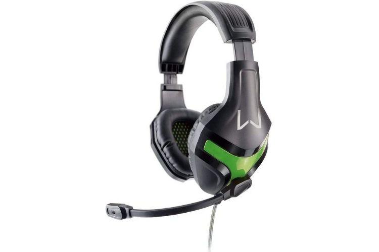 Headset gamer com microfone aglopado.