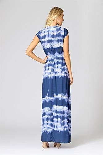 Mulher loira utilizando vestido longo estampado com amarração da marca Trimix.