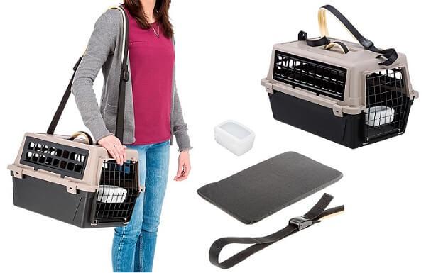 caixa de transporte para gatos atlas plus, da ferplast, com alça de ombro, almofada e comedouro