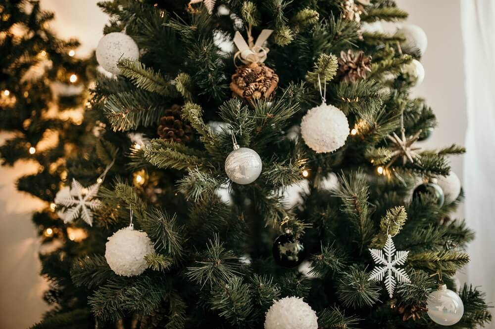 Enfeites De Natal Pendurados Em árvore