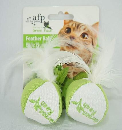 como cuidar de gatos brinquedo com catnip