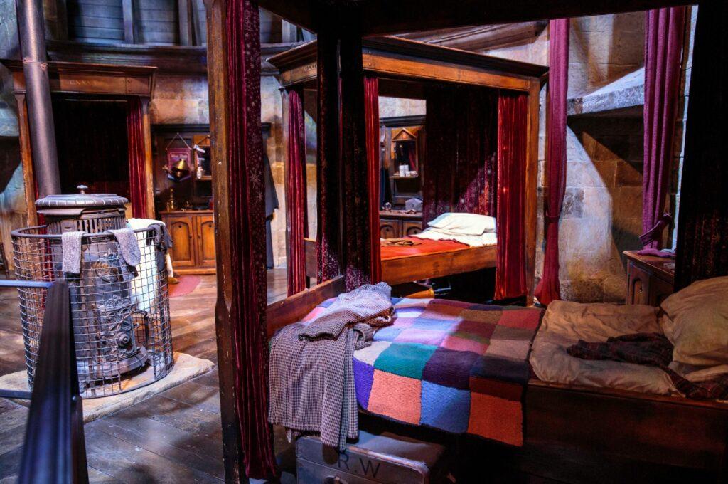 Que tal pijamas kigurumi para se sentir em Hogwarts?