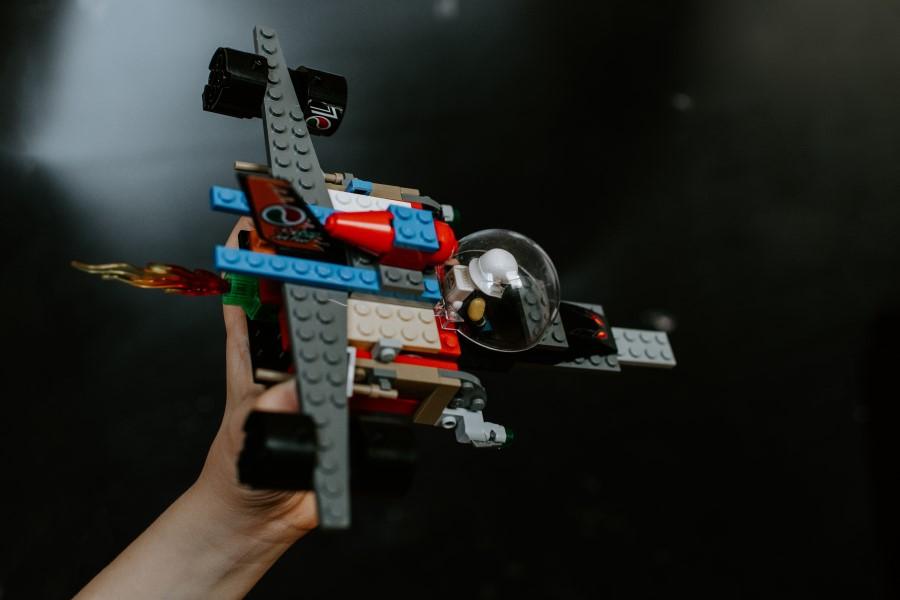 Nave espacial de Lego.
