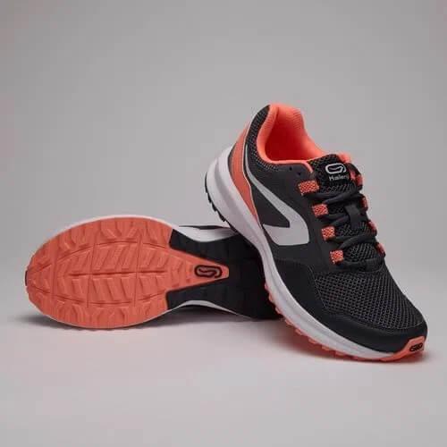 Tênis Kalenji é bom modelo de tênis de corrida Run Active Grip na cor preta e vermelha